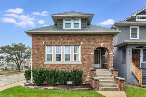 902 S Kenilworth, Oak Park, IL 60304