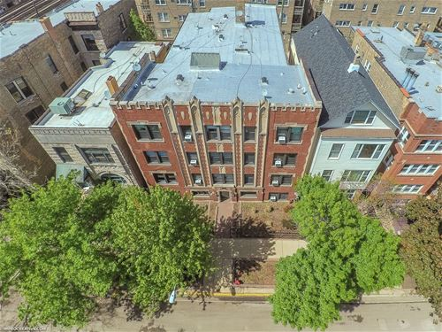 924 W Newport, Chicago, IL 60657 Lakeview