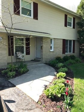 1735 E Rosehill, Arlington Heights, IL 60004