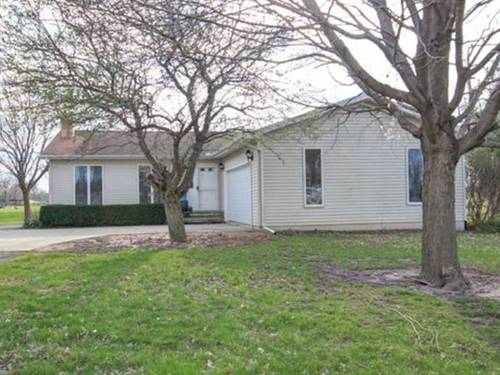 126 Countryside, Leroy, IL 61752