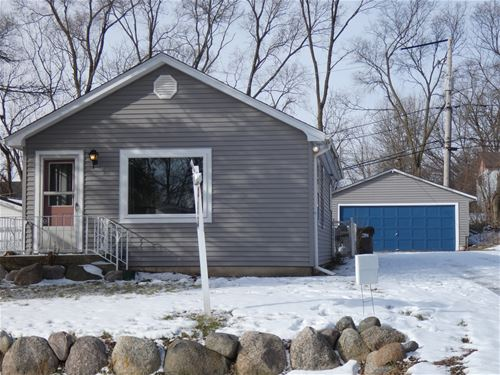 12 Meadow, Oakwood Hills, IL 60013