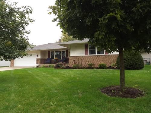 704 E Rosewood, Watseka, IL 60970