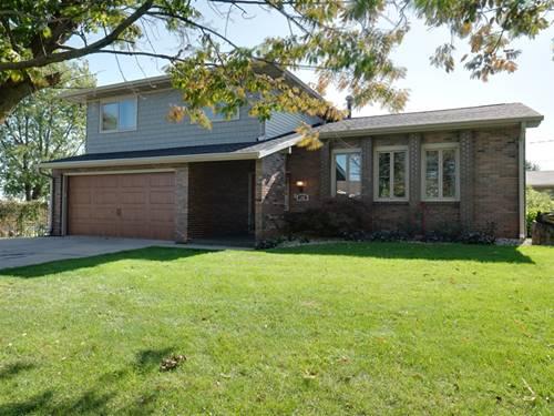 102 Eastview, Lexington, IL 61753
