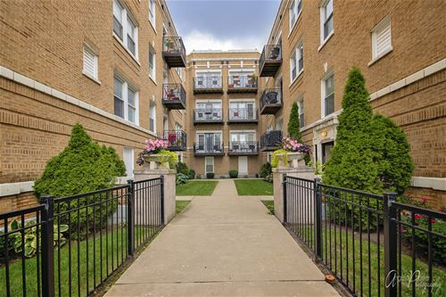 4906 N Drake Unit 2, Chicago, IL 60625 Albany Park
