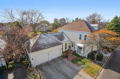 13 The Court Of Lagoon View, Northbrook, IL 60062