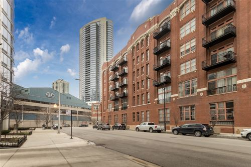 360 W Illinois Unit 10A, Chicago, IL 60654 River North