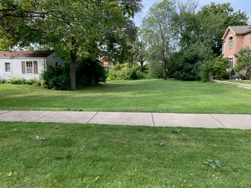 2356 Dewes, Glenview, IL 60025