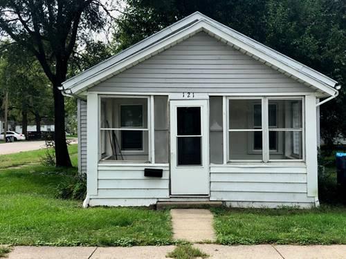 121 Douglas, Dixon, IL 61021