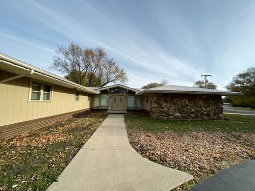 110 W Willow, Fairbury, IL 61739