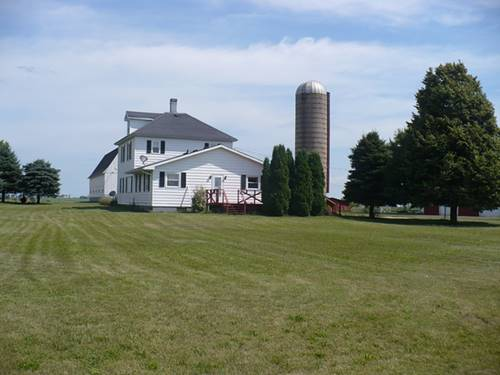 15626 E Twombly, Rochelle, IL 61068
