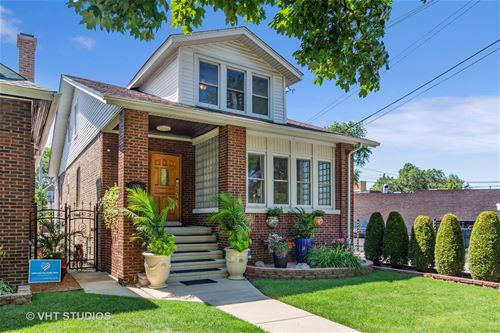 4638 N Lowell, Chicago, IL 60630 Mayfair