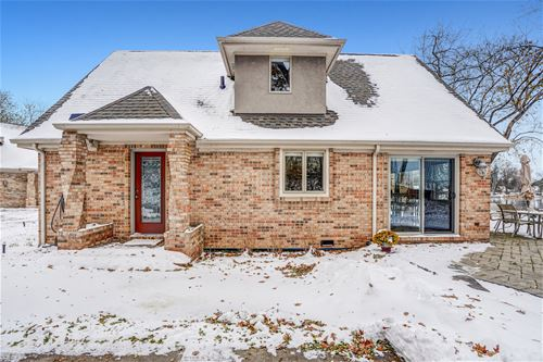 1002 Pistakee View, Johnsburg, IL 60051