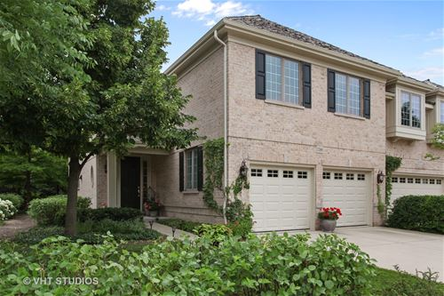 2269 Royal Ridge, Northbrook, IL 60062