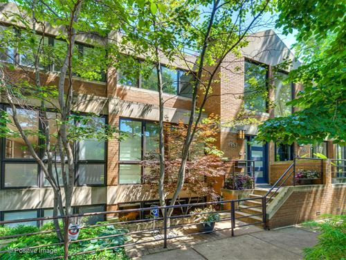 1957 N Maud, Chicago, IL 60614 Lincoln Park