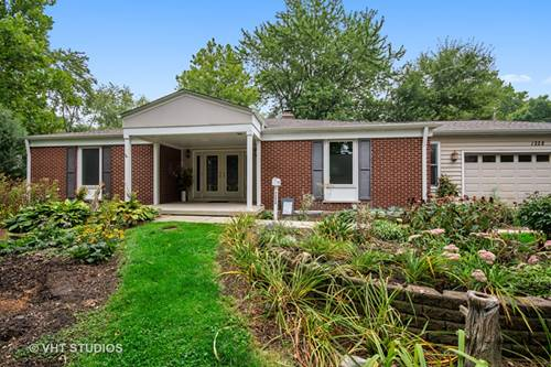 1228 Suffolk, Naperville, IL 60563