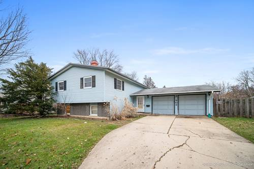 909 Yorkshire, Crystal Lake, IL 60014