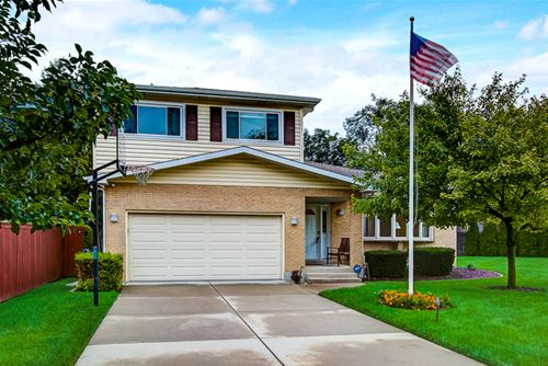 945 Lancaster, Downers Grove, IL 60516