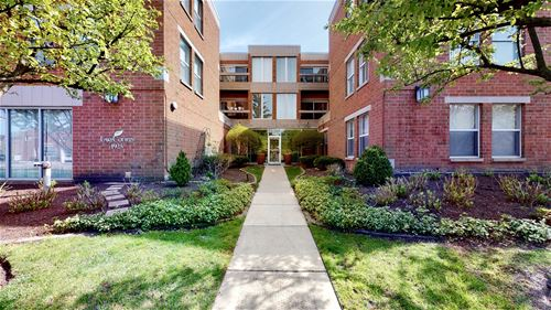 1925 Lake Unit 103, Wilmette, IL 60091