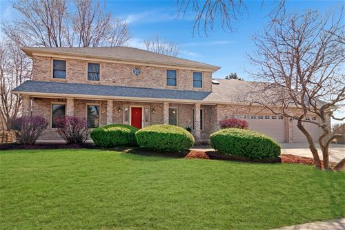 704 S Whispering Hills, Naperville, IL 60540