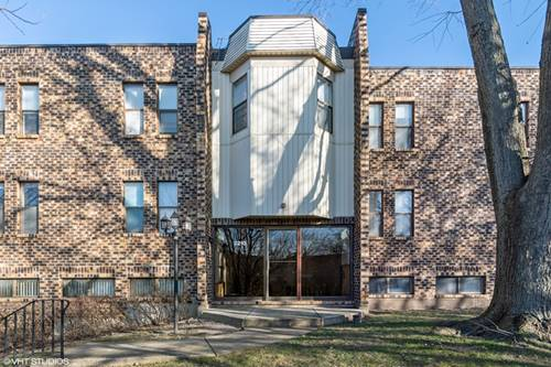 2210 Country Club Unit 13, Woodridge, IL 60517