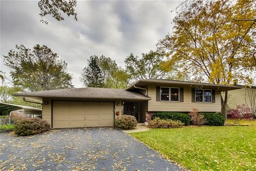 15218 W Pinewood, Libertyville, IL 60048