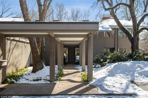 925 E Westminster, Lake Forest, IL 60045