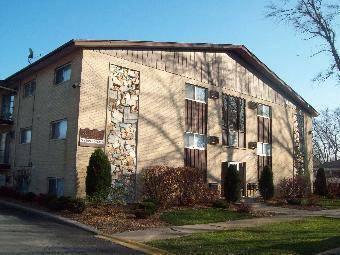 18361 Glen Oak Unit B, Lansing, IL 60438