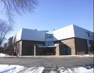 924 S Lake Unit 104, Westmont, IL 60559