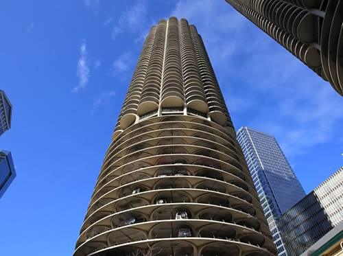 300 N State Unit 2106, Chicago, IL 60654