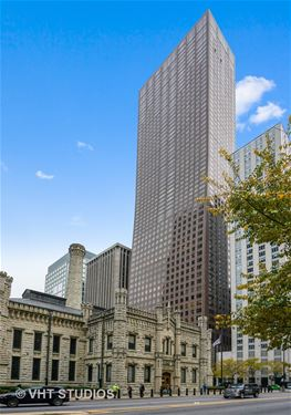 161 E Chicago Unit 52F, Chicago, IL 60611 Streeterville