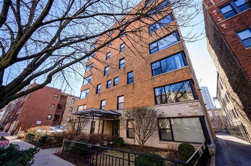 525 W Aldine Unit 502, Chicago, IL 60657