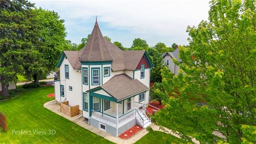 829 Wendall, West Chicago, IL 60185