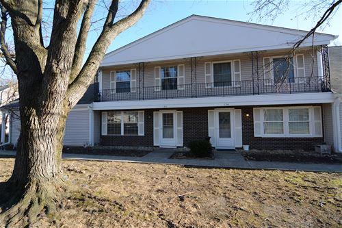 132 Bright Oaks, Cary, IL 60013
