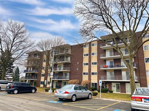 2900 Maple Unit 7A, Downers Grove, IL 60515