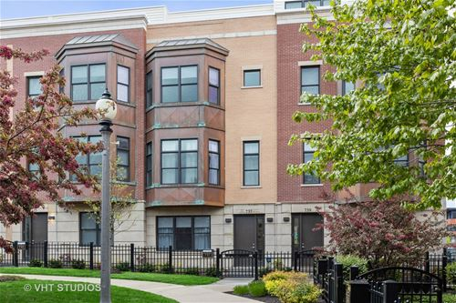 737 W 15th Unit 14, Chicago, IL 60607 University Village / Little Italy