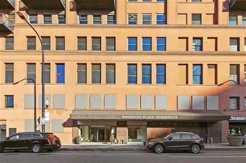 165 N Canal Unit 629, Chicago, IL 60606