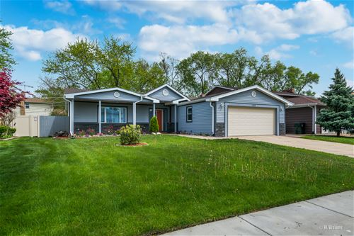 1113 S Sprucewood, Mount Prospect, IL 60056