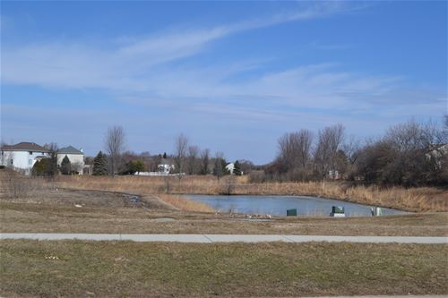 1540 Westbourne, Algonquin, IL 60102
