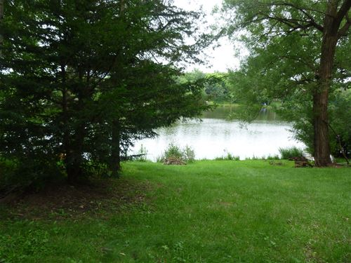 117 Hilltop, Lake In The Hills, IL 60156