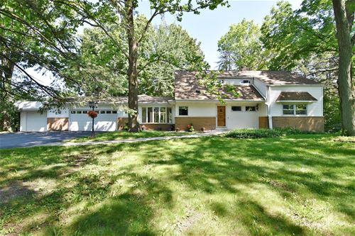 28W574 Garys Mill, Winfield, IL 60190