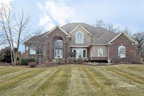 3311 Berry, Crystal Lake, IL 60012