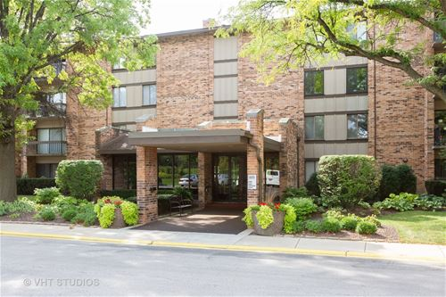 301 Lake Hinsdale Unit 304, Willowbrook, IL 60527
