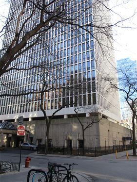 1 E Scott Unit 2211, Chicago, IL 60610 Gold Coast