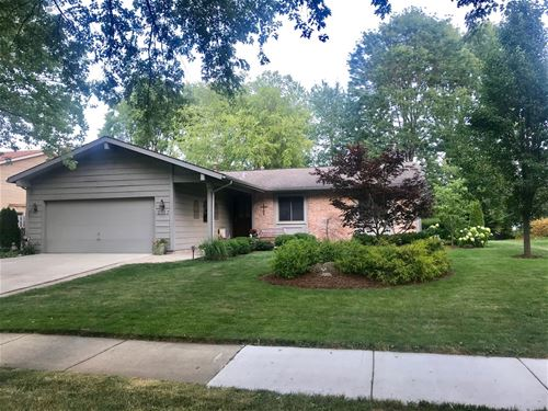 1127 N Thackeray, Palatine, IL 60067
