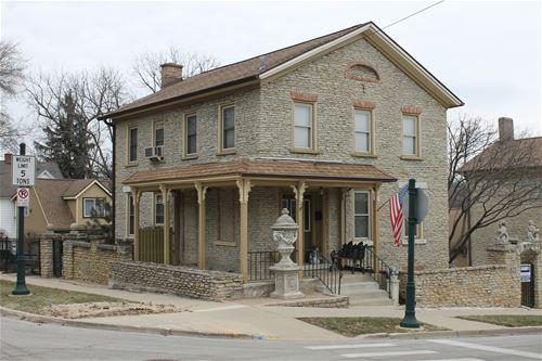 322 Cedar, St. Charles, IL 60174
