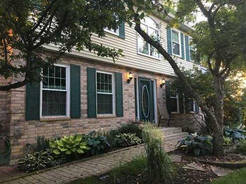 1386 Laurel Oaks, Streamwood, IL 60107