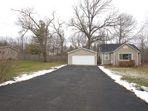 28946 W Park, Cary, IL 60013