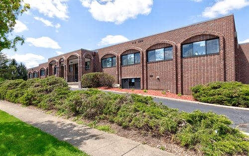 460 Coventry Unit 202, Crystal Lake, IL 60014
