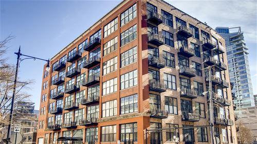 525 W Superior Unit 529, Chicago, IL 60654 River North