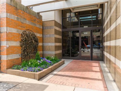 1212 N Wells Unit 1406, Chicago, IL 60610 Old Town